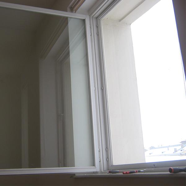 окно без уплотнителя